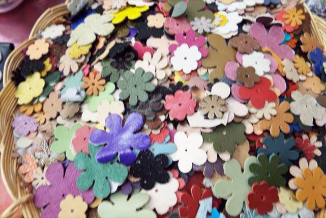 【神戸市・三宮・牛革コインケース作り】選べるモチーフ付け放題が嬉しい!