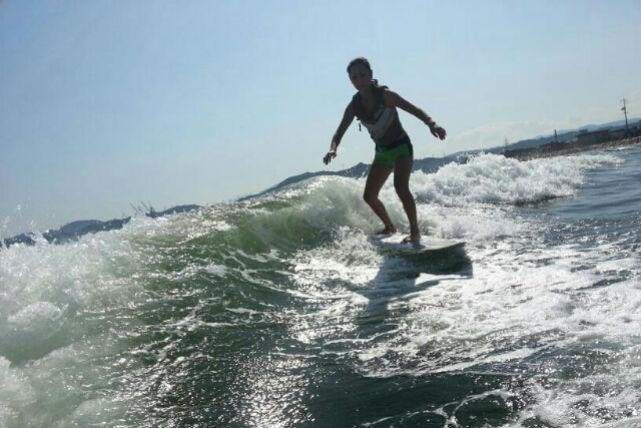 【広島・ウェイクサーフィン】かっこ良く波を乗りこなせ!ウェイクサーフィン体験