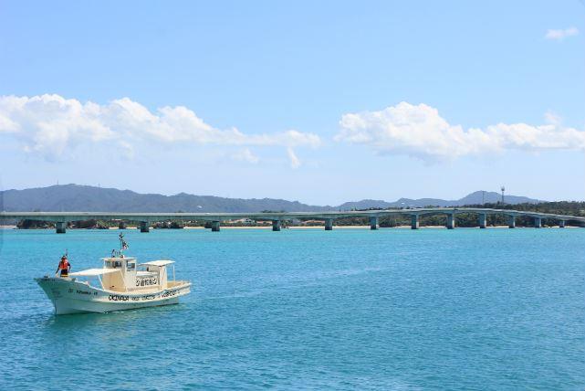【沖縄・古宇利島・クルージング】海からでしか見られない古宇利島の風景を堪能!