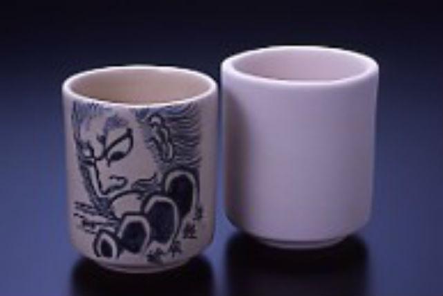 【青森・陶芸体験・湯のみ絵付】津軽焼の湯のみに絵付けする、気軽な陶芸体験
