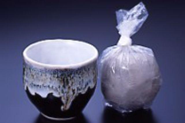 【青森・陶芸体験・手びねり】津軽焼の陶器を手作り。初心者大歓迎の陶芸体験