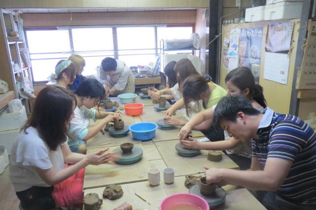 【滋賀県・彦根市・手びねり陶芸】彦根で生まれた、歴史ある陶芸を体験しよう。湖東焼手びねり体験