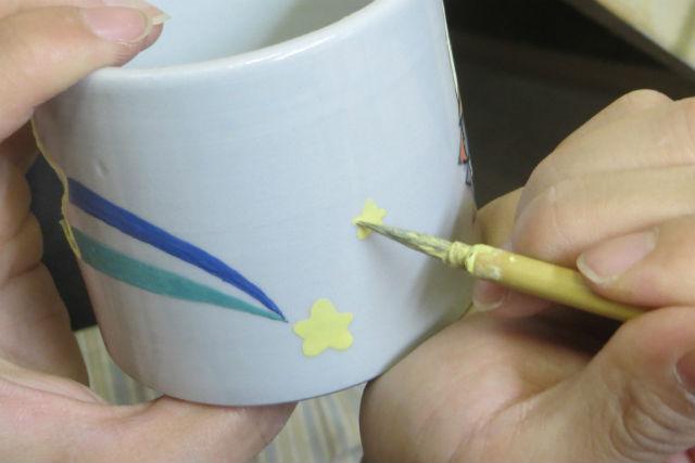 【滋賀県・彦根市・絵付け体験】彦根の古美術、湖東焼に絵付けをしてみよう