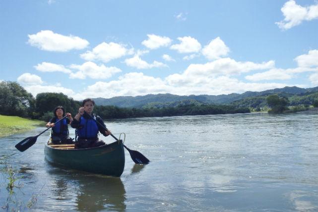 【北海道・天塩川・カヌー】半日で濃密なカヌートリップが楽しめる!川下りツアー