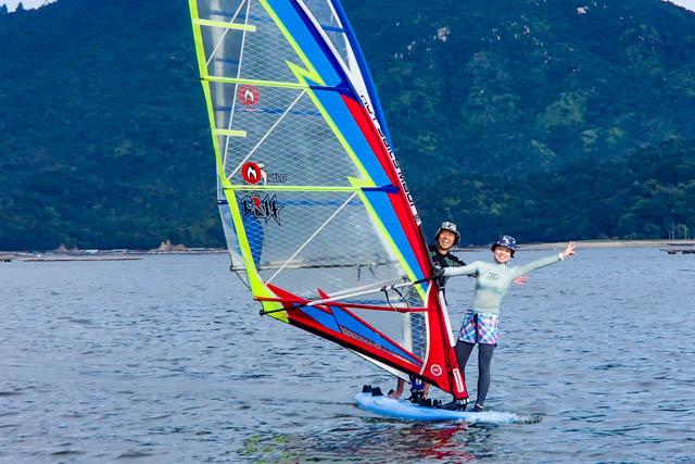【広島県鳴川・ウインドサーフィン】体験できるのは、日本でここだけ!2人乗り・ウインドサーフィン