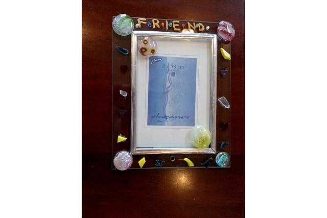 【岐阜・ガラス工芸】カラフルなガラスパーツで自由にデザイン!フュージング彫刻体験