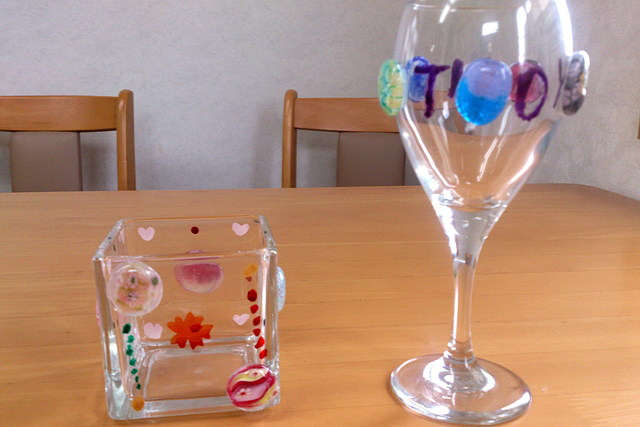 【岐阜・ガラス工芸】トンボ玉とガラスの欠片をくっつけるだけ!簡単グラスデコ!