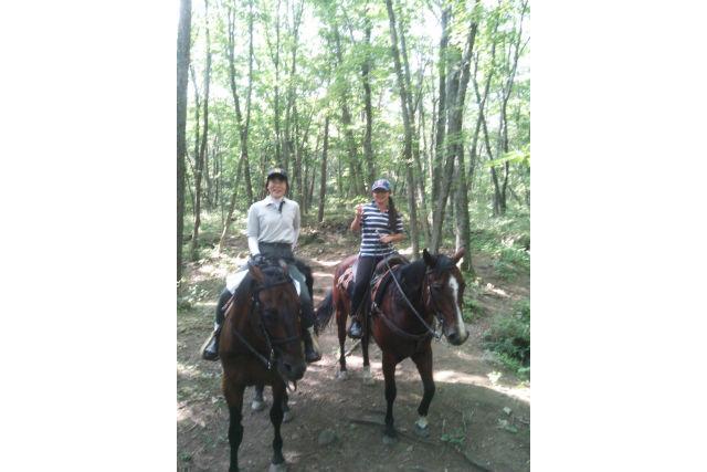 【山梨・小淵沢・経験者向け・乗馬体験】90分間おもいっきり外乗を楽しめる乗馬プラン!