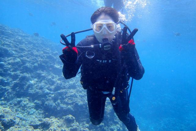 【沖縄・恩納村・体験ダイビング】砂浜から青の洞窟へ行こう!体験ビーチダイビング