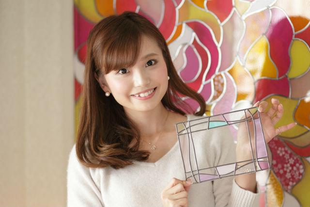 【三重県・グラスアート体験】キラキラと写真を彩る!オリジナルのフォトフレーム作り
