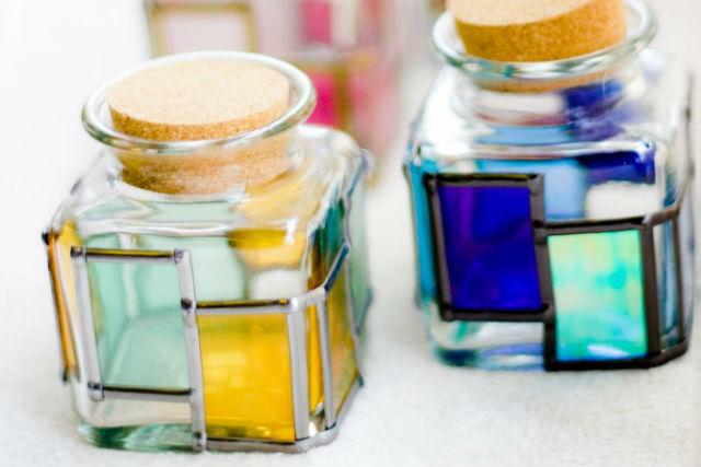 【三重県・グラスアート体験】グラスアートで作る!美しい色合いのガラスキューブ