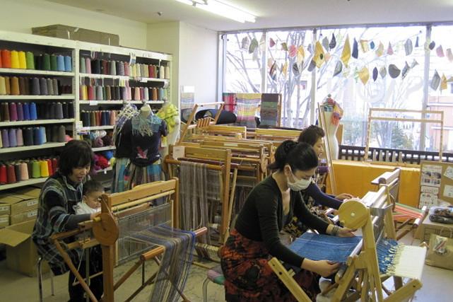 【宮城県仙台市・手織り体験】自由に、思い通りに作る楽しさ。手織りに挑戦しよう