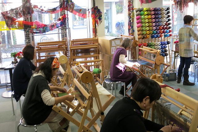 【千葉県船橋市・手織り体験】ゆったりと時間が流れる空間。癒やしの手織り体験