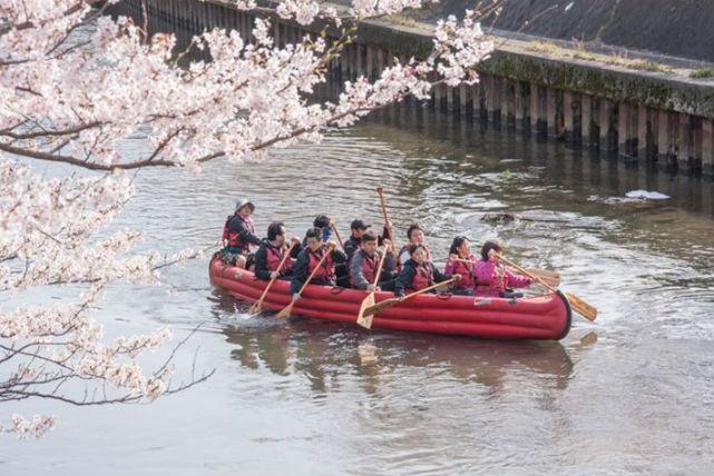 【富山・Eボート】絶景スポットで船上ティータイム!いたち川をEボートでめぐろう