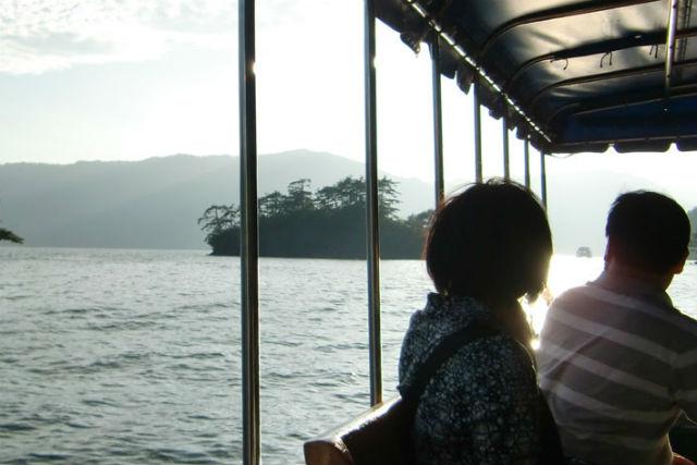 【十和田湖・クルージング】美しい自然の中をスキマ時間で遊覧しよう!中山半島コース