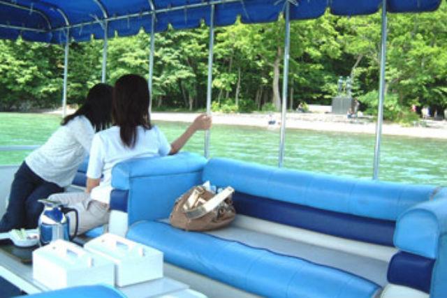 【十和田湖・クルージング】十和田湖遊覧でしか見られない景色を満喫!中ノ湖コース