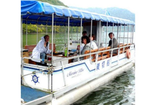 【十和田湖・クルージング】大自然に囲まれた湖上で味わうランチクルーズ!40分コース