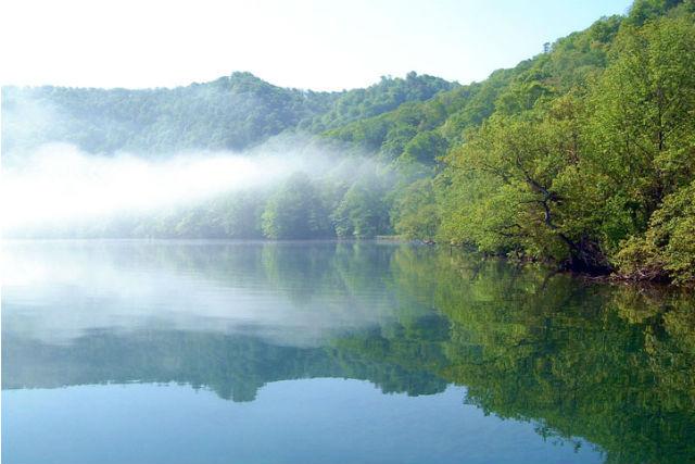 【十和田湖・クルージング】朝もやがかかる幻想的な湖へ!早朝クルーズコース