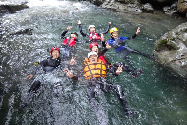 【徳島・シャワークライミング・3時間】アドベンチャーの要素たっぷりの爽快アクティビティ