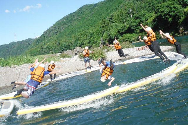 【岐阜・SUP・上級半日】達成感がやみつきに!長良川で迫力満点のダウンリバーツアー