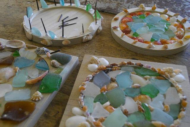 【京都府京丹後市・マリンクラフト】自然の素材を飾りつけて、コースターを作ろう!