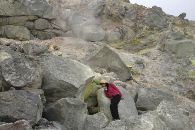 【北海道・知床・トレッキング】 知床硫黄山・新噴火口トレッキングツアー