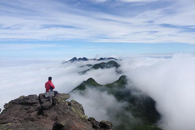 【北海道知床・トレッキング】選べる楽しさ!羅臼岳横断or羅臼温泉コース