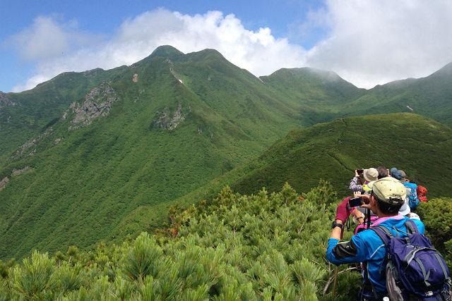 【北海道知床・トレッキング】日本百名山の斜里岳に登ろう!三井コースプラン