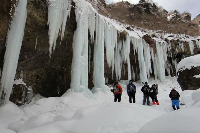 【栃木・日光・トレッキング】凍った滝に感動!日光雲竜渓谷氷瀑ツアー