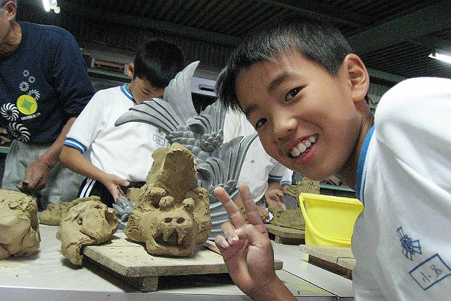 【兵庫県姫路市・伝統工芸体験】いぶし瓦の魅力に触れよう。鬼師の指導で粘土工作!