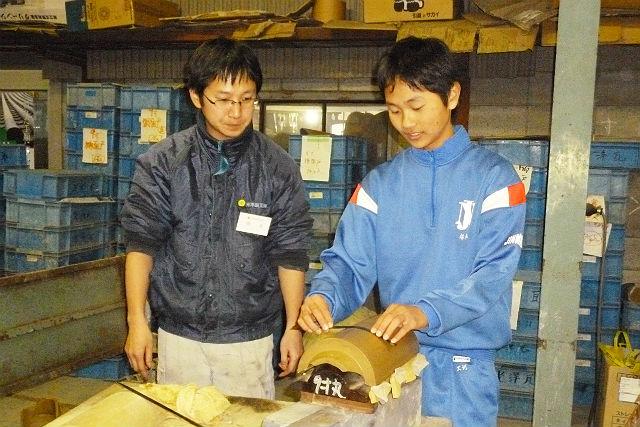 【兵庫県姫路市・伝統工芸体験】職人の仕事を間近で!いぶし瓦工場見学&職人仕事を体験