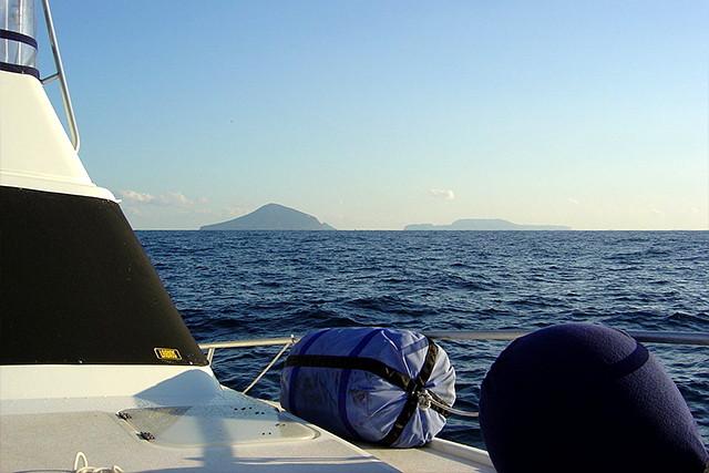 【湘南・貸切・クルージング】伊豆諸島へ日帰りチャータークルージング!外洋旅行に出かけよう