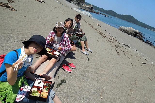 【三重・ガイドツアー】砂浜ランチツアー おいしい海の幸をまるごといただき!