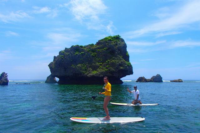 【沖縄県北谷・120分・SUP】海の上を自由にお散歩!SUPオーシャンクルーズ