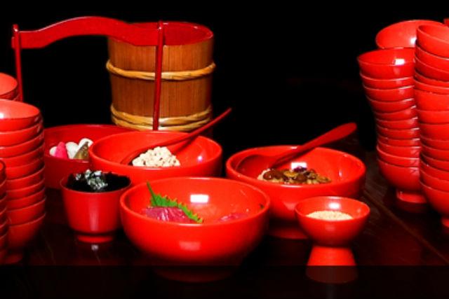 【岩手・盛岡・料理体験】盛岡名物わんこそばを食べる!薬味7種お皿を重ねないコース