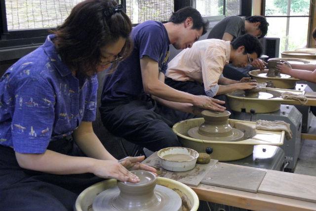 【栃木県日光市・陶芸体験】電動ろくろで1点制作!シンプルな湯のみや茶碗を作ってみよう