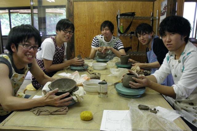 【栃木県日光市・陶芸体験】自然に囲まれた癒しの工房で体験!手びねりで器を作ろう
