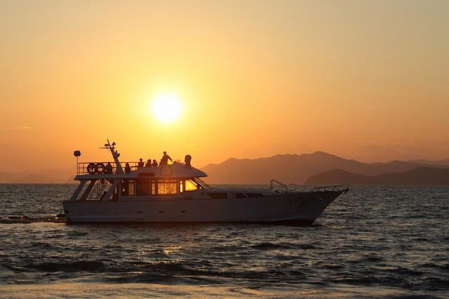 【三重県志摩・クルージング】日本の夕陽百選の景色を堪能!英虞湾サンセットクルージング