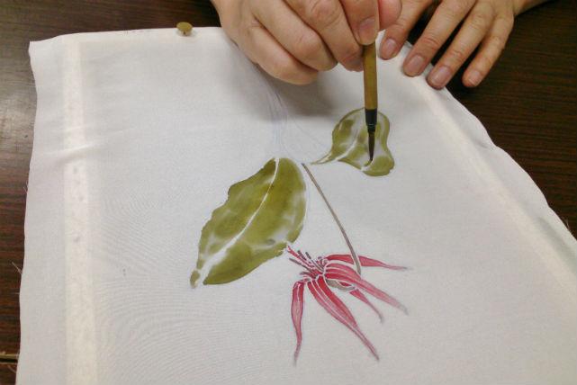 【長野市・染物体験】信州伝統の工芸品を作ろう!信州手描き友禅染め体験