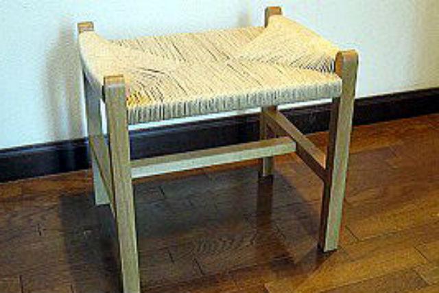 【栃木県小山市・家具作り体験】糸の並びが美しい。座編みのスツールを作ろう