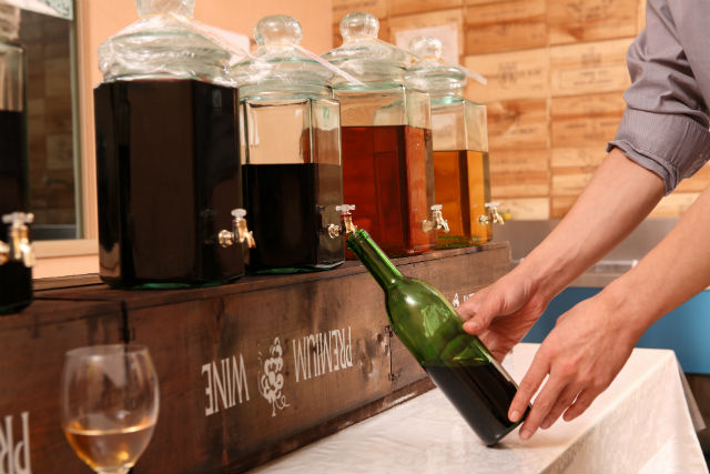 【北海道富良野・ワイン作り体験】世界にひとつだけ!オリジナルワインを作ろう!