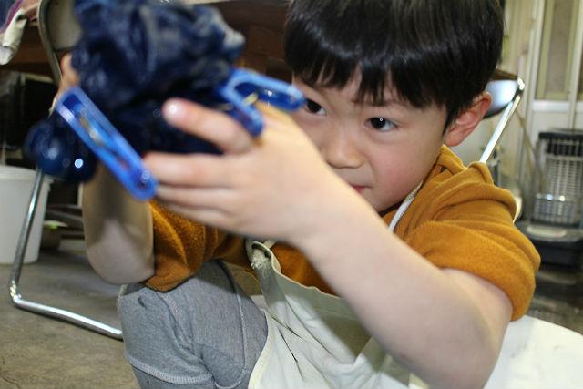 【岩手県盛岡市・藍染体験】ハンカチを好きな柄に染めよう!お手軽藍染体験