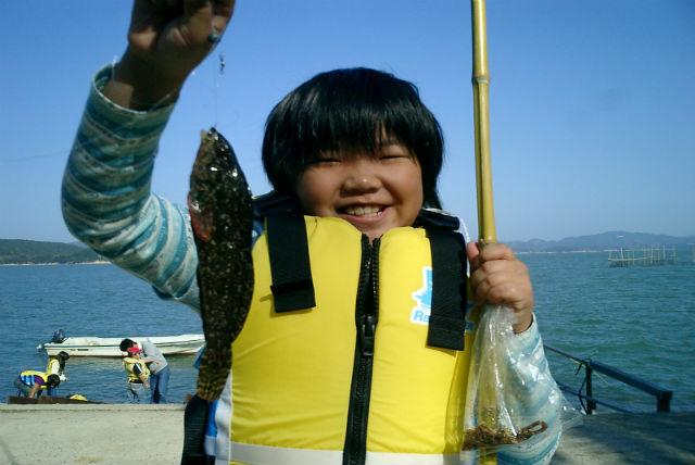 【岡山・自然体験】ランチ付き!磯釣りにチャレンジ&釣った魚で魚拓アートを楽しもう