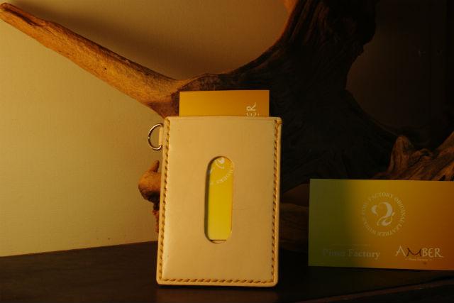 【名古屋・レザークラフト】アットホームな教室で体験。革のパスケースを作ろう