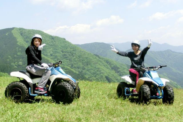 【岐阜・バギー】中学生から体験可能!四輪バギーに乗って、大自然を爽快に駆け抜けよう!