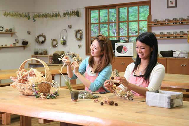 【三重県伊賀・染物体験】自然から生まれる色に魅了されます!季節のハーブで染めよう