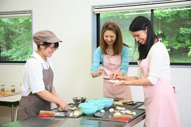 【三重県伊賀・料理体験】ランチ・温泉・パン作り!贅沢な時間を過ごしましょう