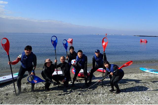【千葉・稲毛海岸・SUP】海上でサッカー!?新スポーツ「SUPポロ」体験