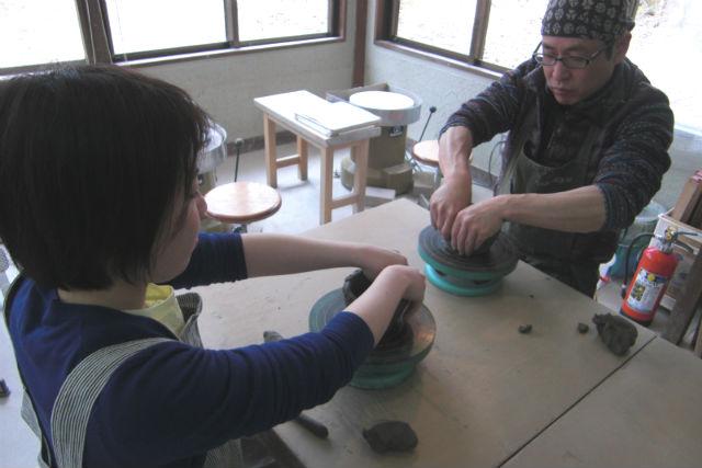 【長野県・八ヶ岳・陶芸体験】お子さまもご一緒に!大自然の中で、手びねり陶芸体験