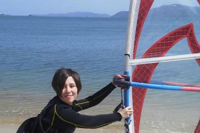 【福岡市・ウインドサーフィン】ショップの目の前がビーチ!福岡市で、ウィンドサーフィンを満喫